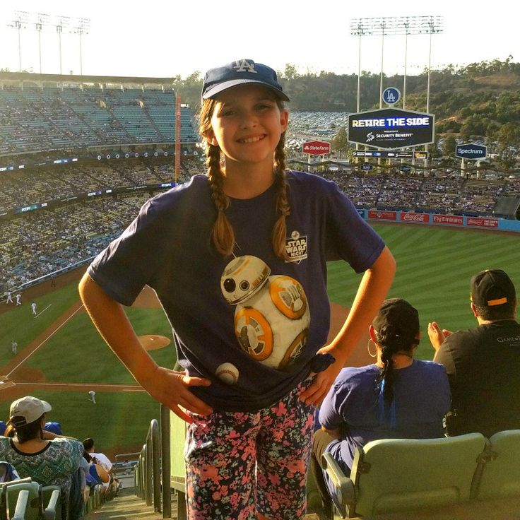 Budget family travel tips: How to save money on Dodgers tickets! We took a spontaneous 2-day trip to Los Angeles for Star Wars Night at Dodger Stadium on a budget! How we save money on tickets at Dodger Stadium!