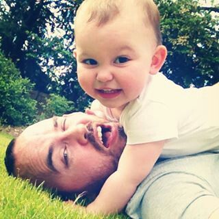 Emilia Saccone Joly with her daddy, Jonathan #cute#lovely#baby