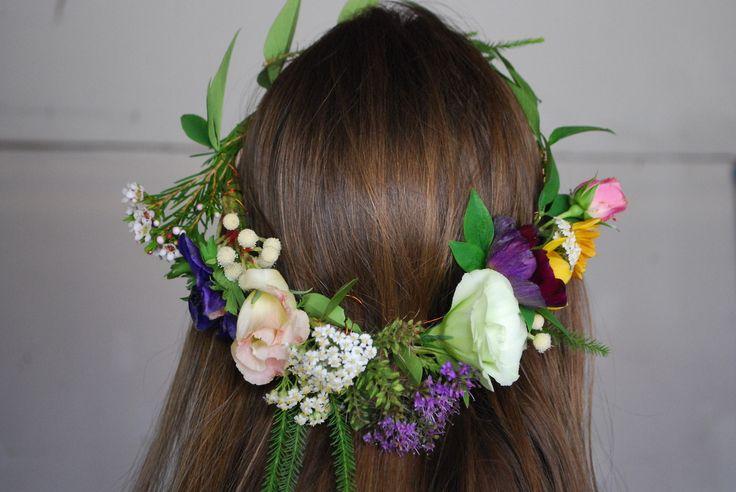Tocado de flores natural