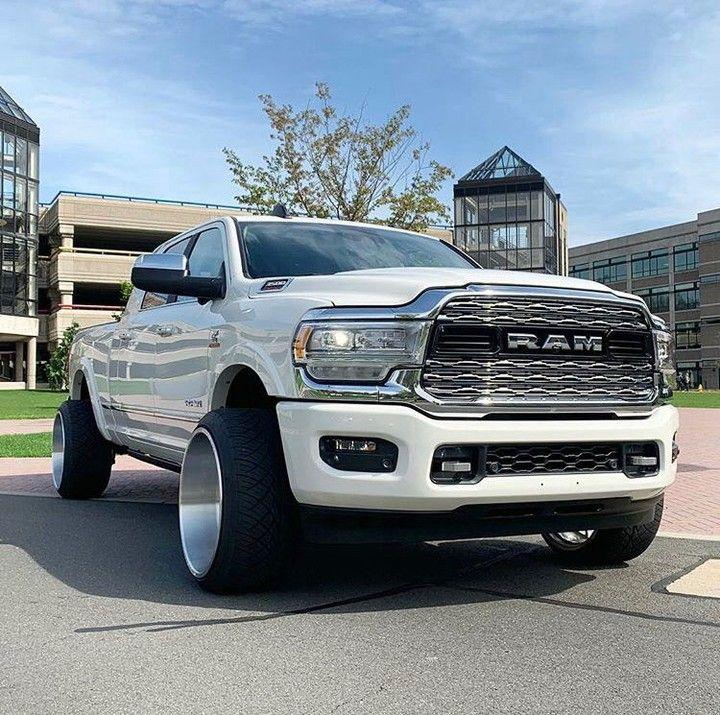 Outlaweddiesels On Instagram New 5th Gen Looking Good Owner Legends Gio Dodge Ram Diesel American Muscle Cars Dodge Cummins Trucks