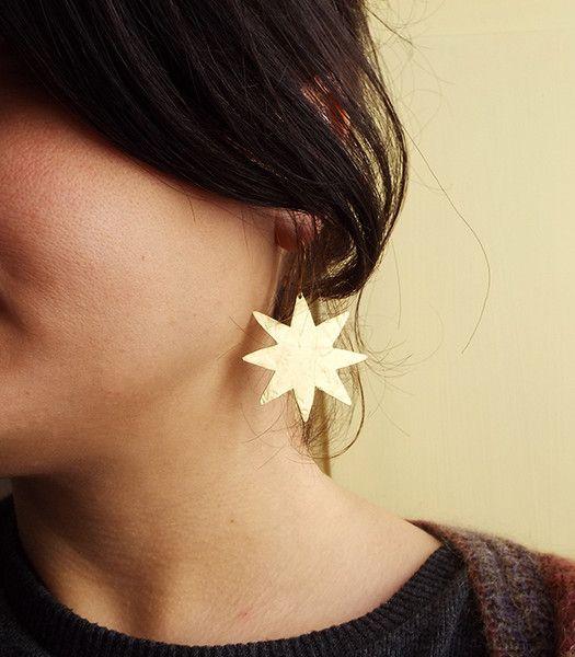 Pendenti corti - Orecchini luna stella in ottone - un prodotto unico di LaboratorioIndie su DaWanda