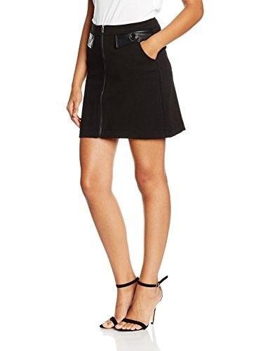 Minifalda negra #faldas #moda #mujer #outfits  #minifaldas #faldasinvierno #style #shopping #fashion #modafemenina #cuero #leather #minifaldanegra #black