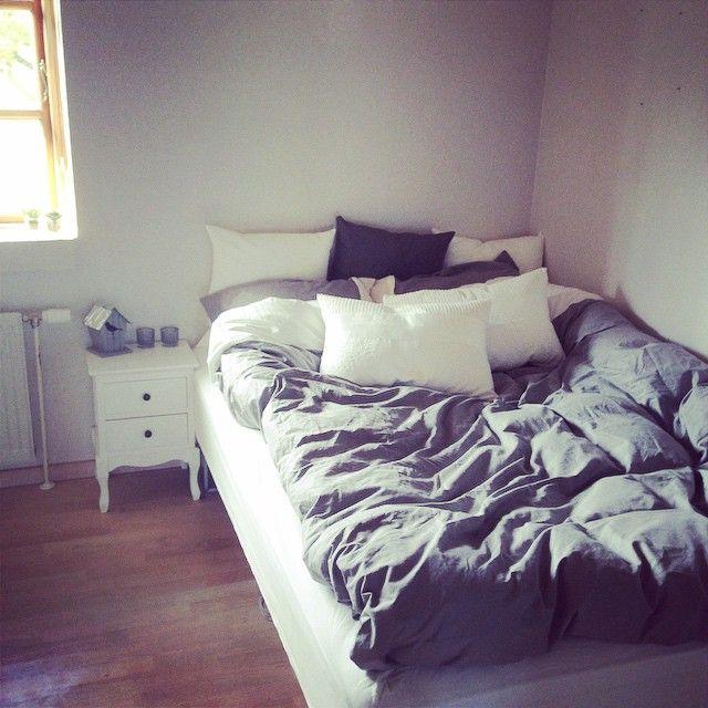 #puder #seng #dyne #mangepuder #elsker #hyggeligt #fylder #i #sengen #imens #han #er #væk #savner #ham #såmegetkærlighed