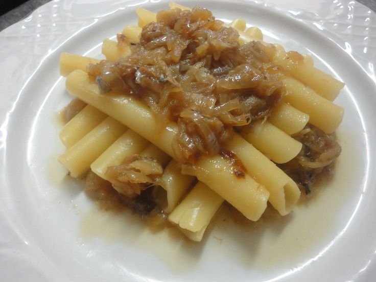 Ricetta pasta alla genovese con cipolle