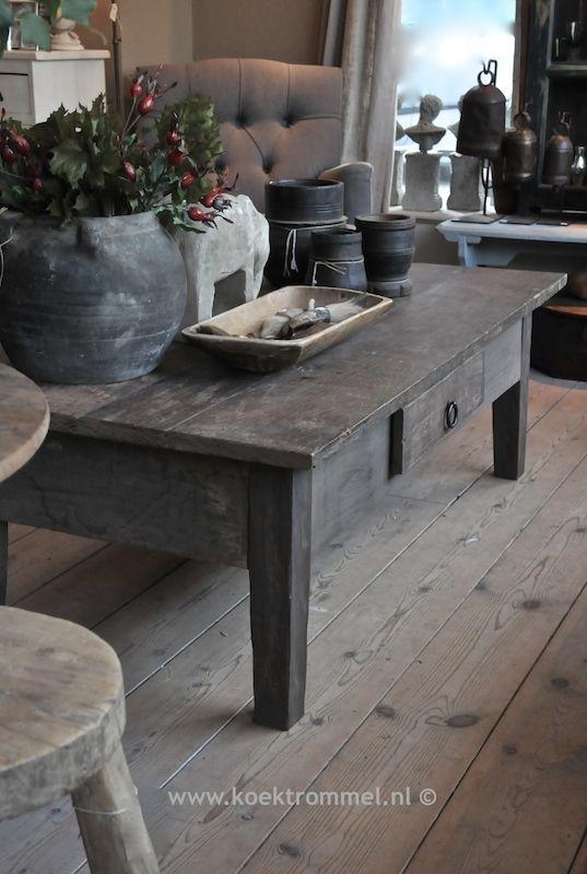 'Franse salontafel' van Hoffz Interieur. Gemaakt van oud teakhout.
