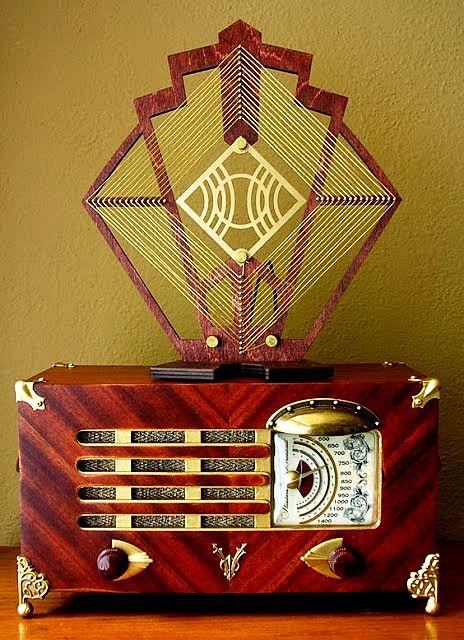 """danismm: """"1948 Philco 48-214-2 Jules Vern AM Radio """""""