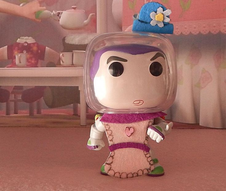 Ves el sombrero? soy la señora Nesbit! #toystory #toystory2 #toystory3 #toystory4 #disney #waltdisney #pelicula #infantil #niños #kids #juguetes #toys #buzz #buzzlightyear #funko #funkopop #funkomania #funkocollector #funkophotoaday #funkophoto #photo #foto #funkofan #animacion #photography