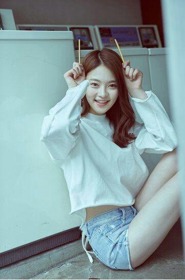 "[DIA] Somyi Individual Concept Photo Album ""YOLO"""