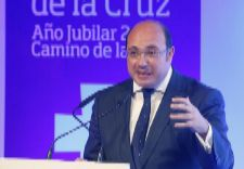 "El fiscal pide imputar al presidente de Murcia por ""irregularidades"""