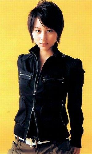 トップはふんわりサイドはすっきり☆ 堀北真希のショートヘア一覧。