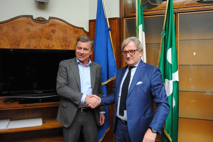 March 6, 2014. Born in Brianza the new school specialized for the wood-furniture sector, presented by the President of Province of Monza and Brianza, Dario Allevi, and the President of FederLegnoArredo, Roberto Snaidero.