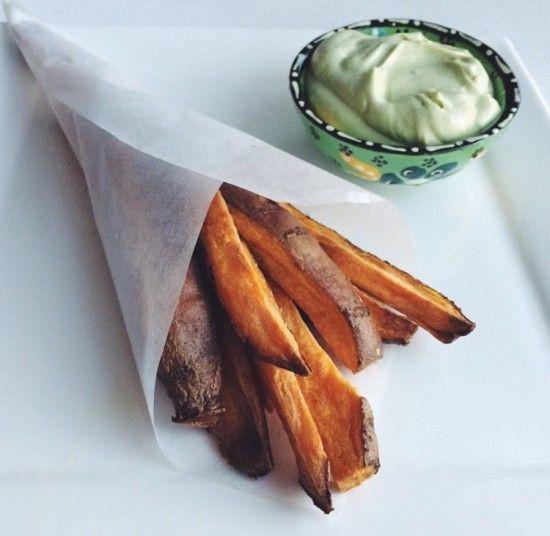 Recept: Zoete aardappel friet met Avocado dip – HealthyFoodByLau