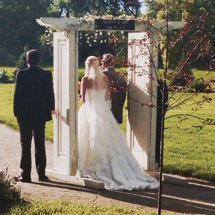 Outdoor Wedding Ceremony Doors: Outdoor Wedding Double Door Entrance. Two Vintage Doors