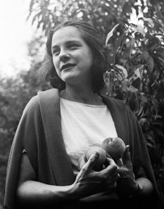 How Mary McCarthy's short story in a 1944 issue of The New Yorker ruined her marriage: http://nyr.kr/KOVhZh