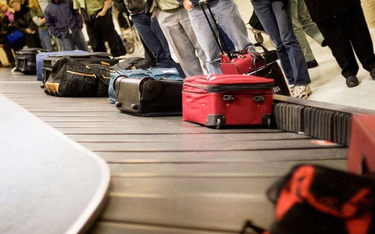 On Wednesday,Congressman John Mica(R-FL) introducedlegislationinto the House that would severely limit how much airlines can charge passengers for checking baggage on flights.