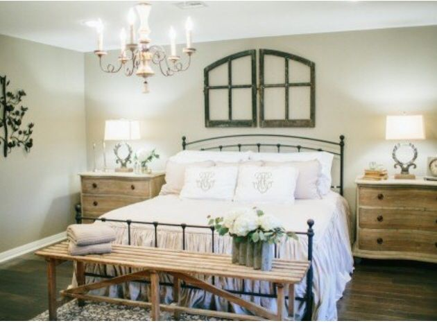 fixer upper fixer upper joanna gaines magnolia farms pinterest guest rooms iron bed. Black Bedroom Furniture Sets. Home Design Ideas