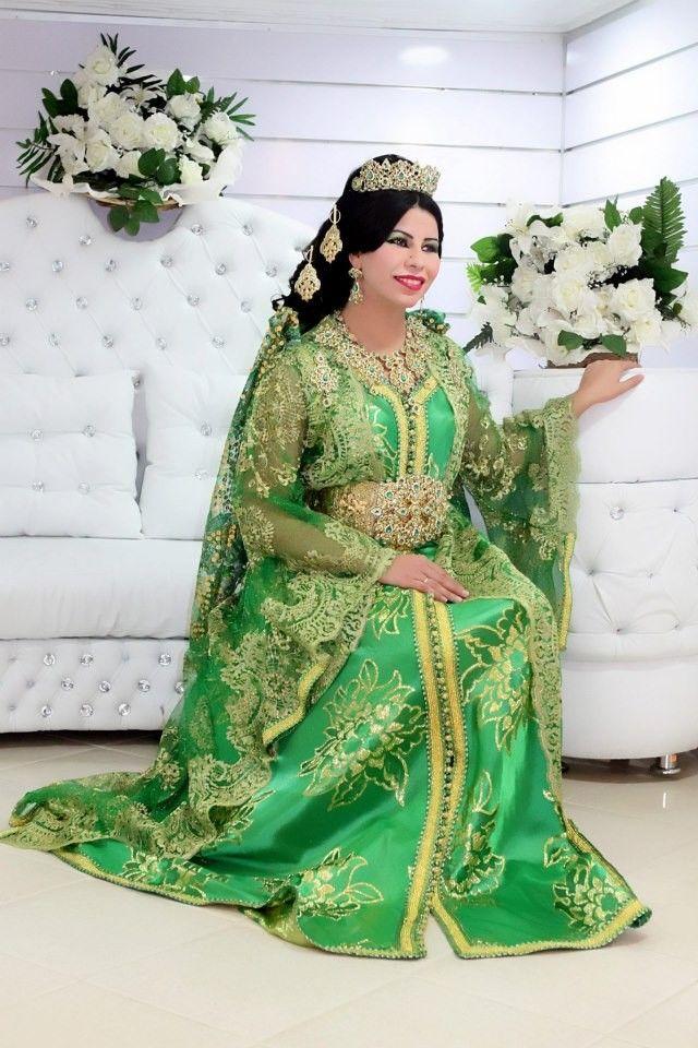 La boutique de caftan vous propose la vente de takchita de mariage grande taille rassemblée dans une large sélection contenant plusieurs modèles que vous pouvez découvrir maintenant via les photos. Nous sommes toujours disponibles sur le site officiel en ligne uniquement dans la vente des robes marocaines pour mariage de valeur recherchée par les femmes …