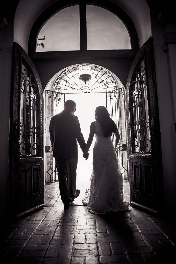 Carondelet House Wedding | Stephen Grant Photography | Black & White wedding silhouette of couple