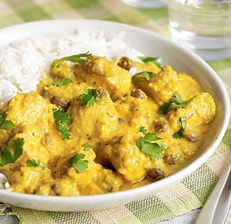 Light Chicken Korna - get recipe here: http://www.dailymail.co.uk/femail/food/article-2094963/Todays-recipe-Light-chicken-korma.html