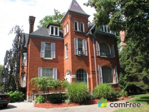 House for sale in Woodstock, 113 Vansittart Avenue | ComFree