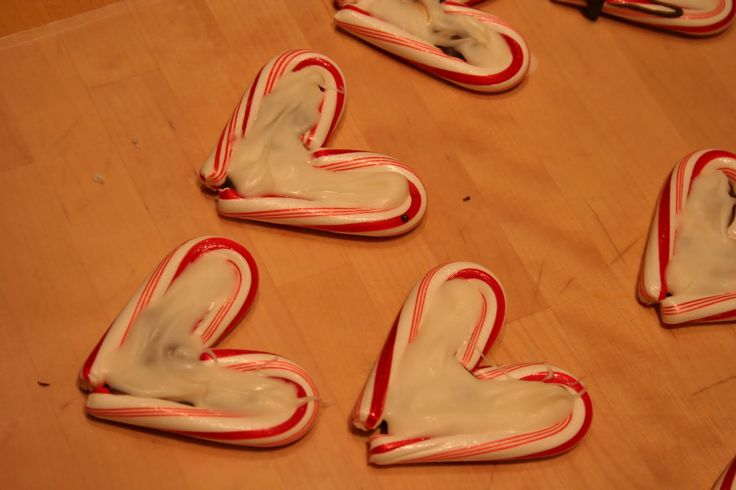 Fill with melted dark choc, top with white flavored with peppermint, top with crushed candy cane.  Cute!