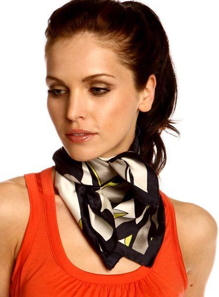 Noeuds de foulard carré