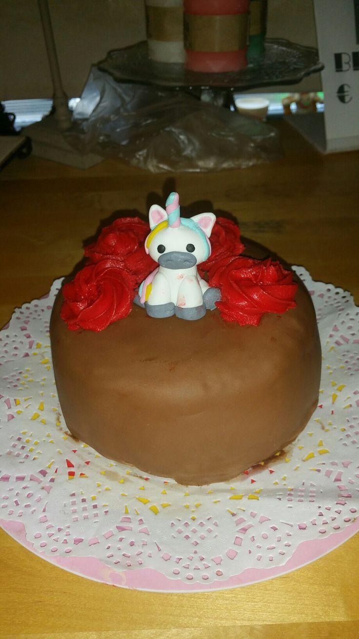 Eenhoorn taartje met bc rozen