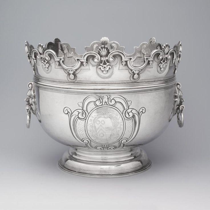 A Queen Anne antique silver Monteith bowl. London, England, circa 1712, by John East.