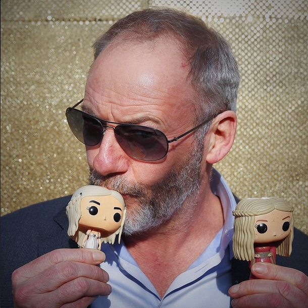Ser Davos loves the Queens