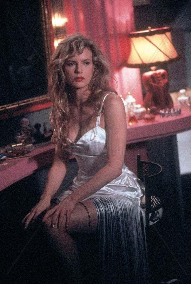 343 best Kim Basinger images on Pinterest | Cover girl ...