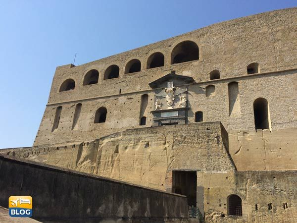 Facciata di Castel Sant'Elmo a Napoli