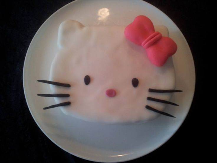 Cake for Majas 5th birthday; Hello Kitty