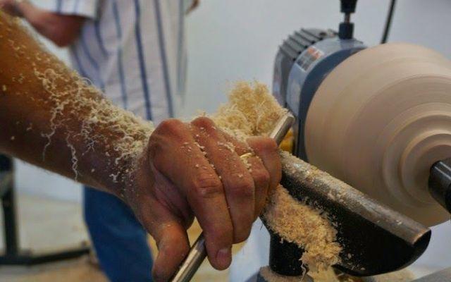 I segreti della tornitura, un sapere artigiano #lavorazionelegno #macchinari #tornio