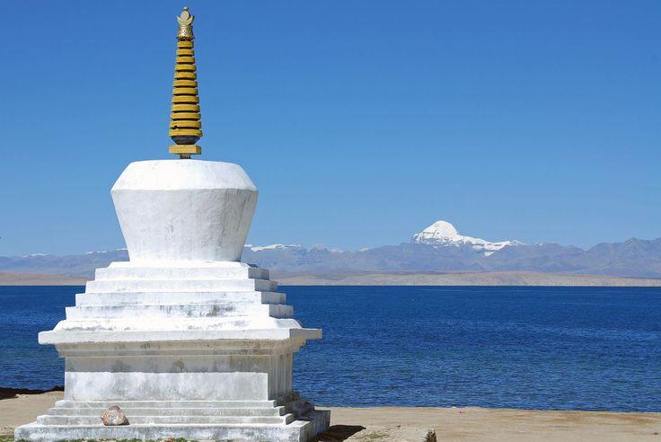 Holy Mount Kailash and Mansarovar lake tour in Tibet.