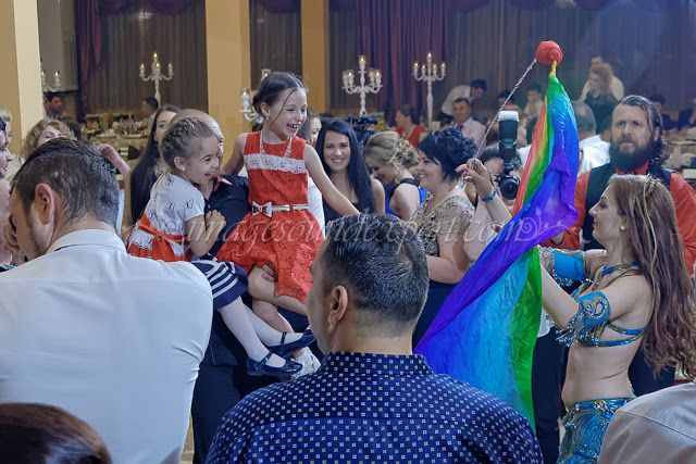 petrecere nunta romania, wedding party, hochzeitsfeier, fete de mariage, bellydancer, servicii foto video nunta constanta