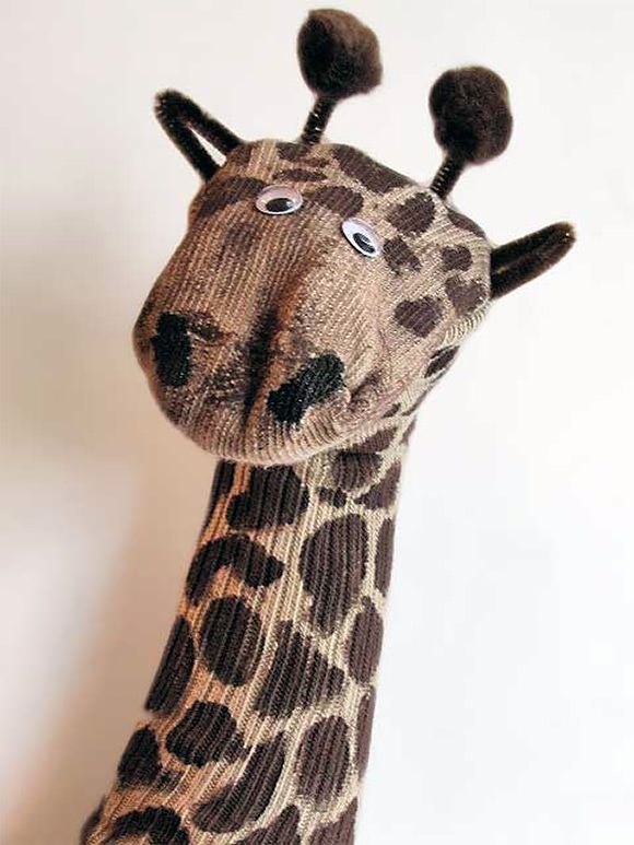 7 Super Fun DIY Sock Puppets by the awesome @smallforbig for @followcharlotte - the giraffe is my favorite xx