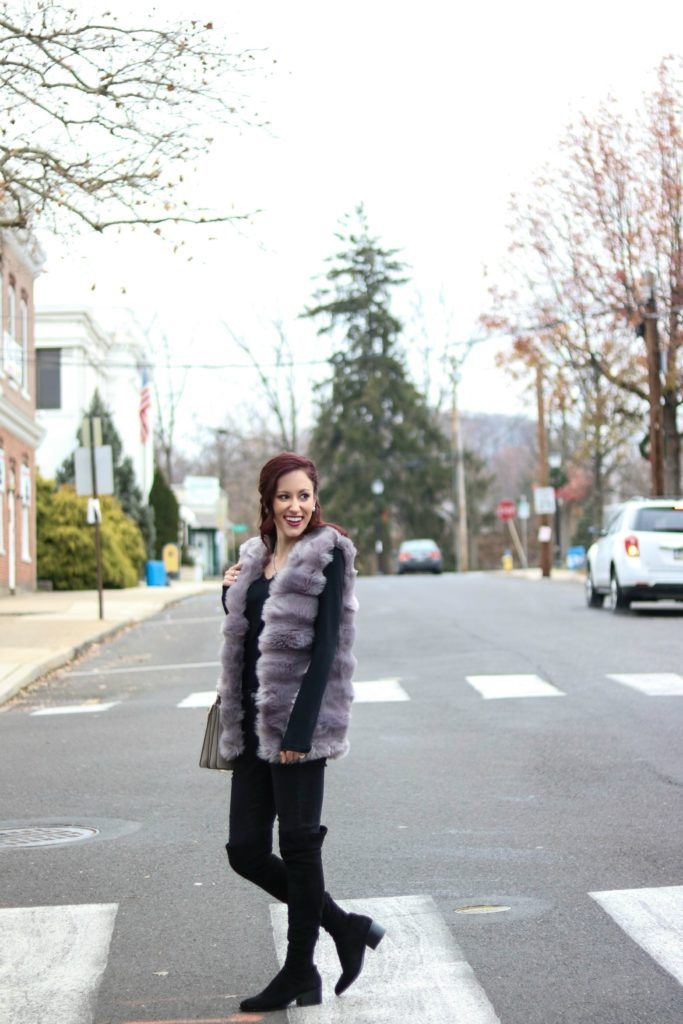 winter layering, How to Layer in Winter without looking Bulky, winter outfit, cute winter outfit, winter outfit idea, fur vest, fur vest outfit, fur vest outfit black, fur vest outfit winter, winter outfit inspiration