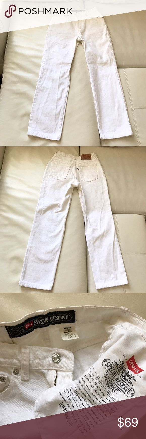 "LEVI's 507 Special Reserve white jeans (juniors 5) Classic high rise white jeans for young girls. Perfect for spring or summer.  Waist 24"" Rise 10"" Inseam 27"" Levi's Jeans Straight Leg"