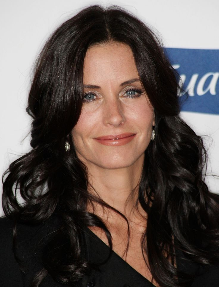 aAfkjfp01fo1i-8438/loc413/23319_Courteney_Cox_arrives_at_Glamour_Reel_Moments-018_122_413lo.jpg