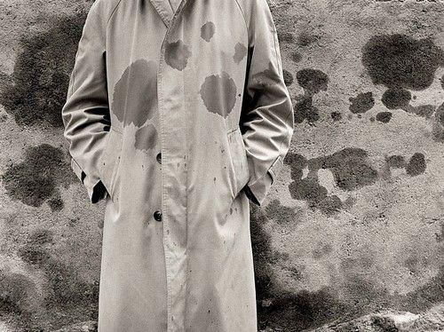 Chema #Madoz : un photographe #surréaliste à la galerie Esther Woerdehoff