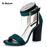 D-BuLun sandali delle donne di Modo di nozze cinturino alla caviglia pattini di stile di Roma Rosso inferiori spessi tacchi alti sandali Gladiatore scarpe donne