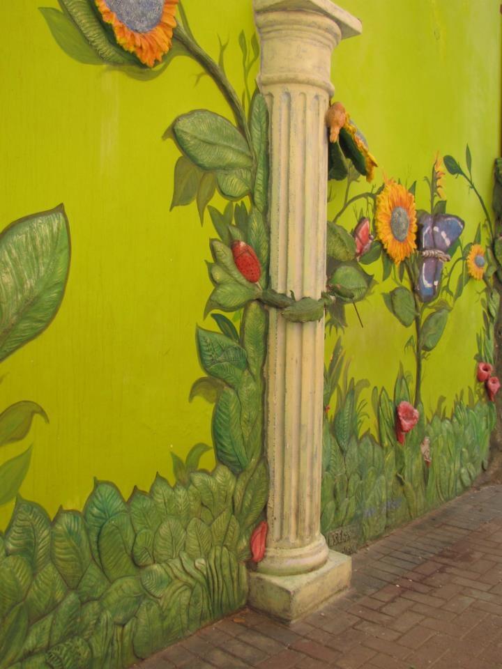 Outside of building 3D wall art on Curacao, near Aruba. Amazing ...
