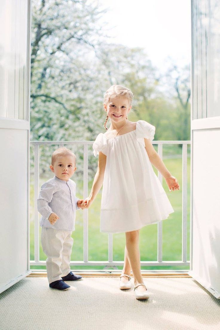 Princess Estelle And prince Oscar of Sweden in a new photo section