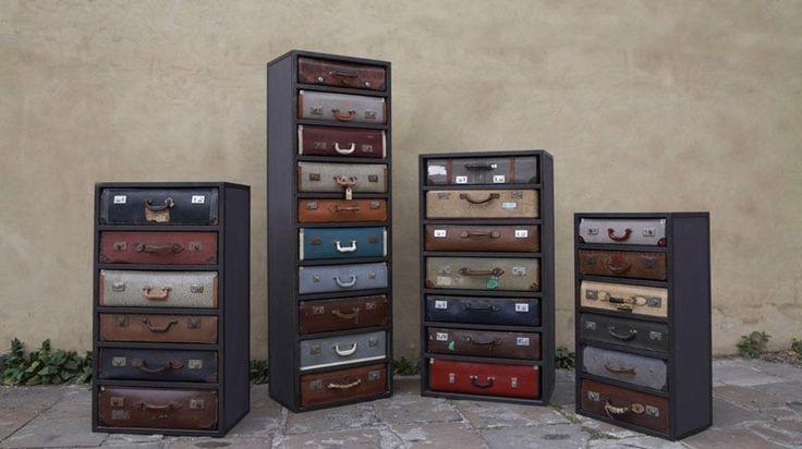 Ladekasten van oude reiskoffers