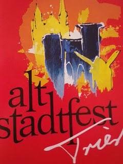 Trier, Altstadtfest. Trinken, feiern, Leute treffen.
