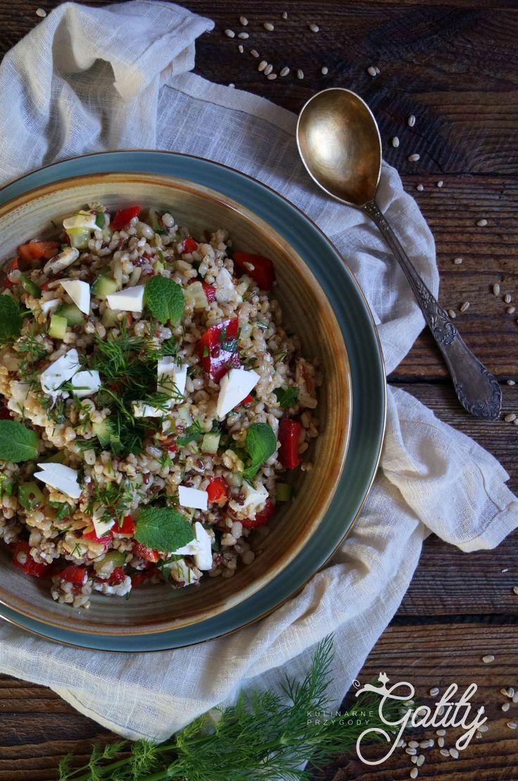 Kulinarne przygody Gatity - przepisy pełne smaku: Sałatka z pęczakiem i fetą