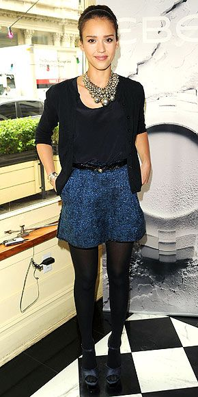 JESSICA ALBA photo | Jessica Alba. Blue + black + statement necklace - just right!