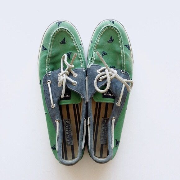 Sperry topsider women's Bahama sailboat boat shoes Green and navy sailboat canvas slip on boat shoes by Sperry Top-sider. These sailboat Sperrys are gently used and in great condition. Size 9.5 womens. This style is nearly impossible to find anywhere else! Sperry Top-Sider Shoes Flats & Loafers