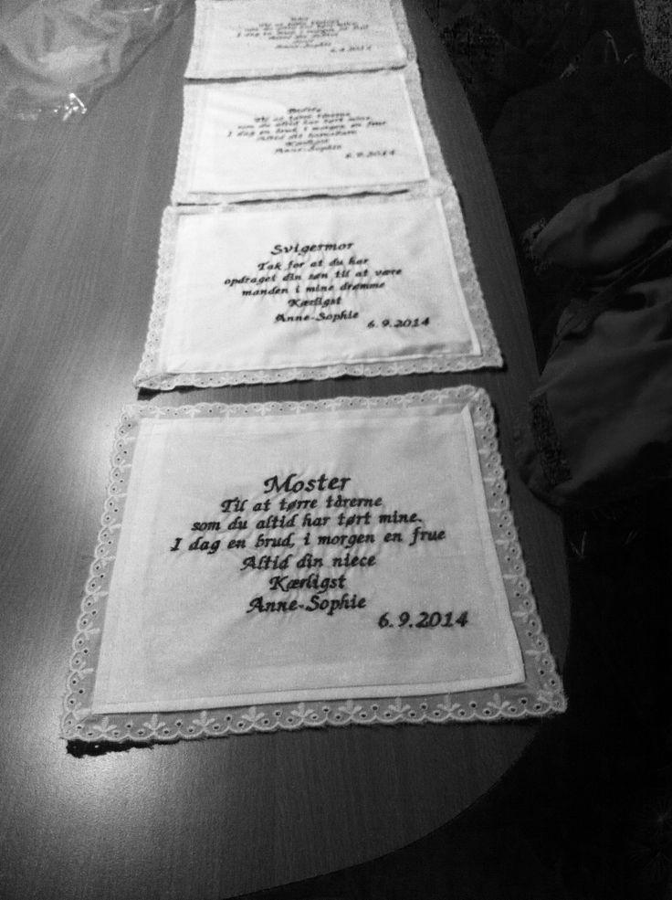 Stoflommetørklæder, hjemmelavet. Glæder mig til at skulle overraske de fire Mest værdifulde kvinder i mit liv, til mit bryllup i september :-)