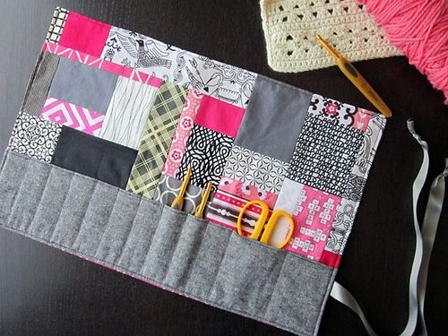 Crochet Hook Roll...could also work as a makeup brush roll!